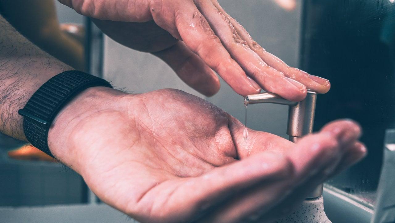 Handdesinfektionsmittel günstig selbst herstellen